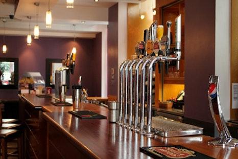 Jury's Inn Bar