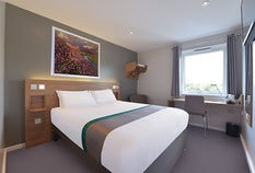 Travelodge Bedroom Old Style 2
