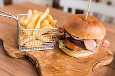 GLA Courtyard by Marriott burger