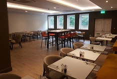 LTN Holiday Inn M1 J9 2