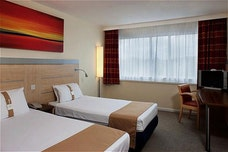 Holiday Inn Express twin room